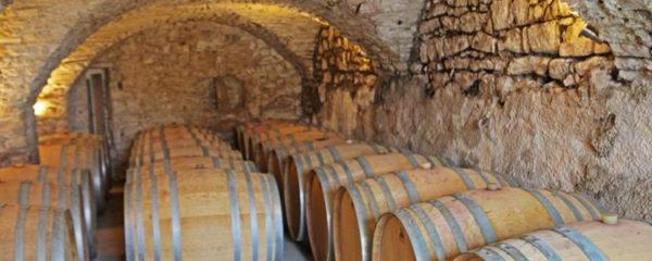 caves près de Pic Saint-Loup